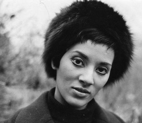 O olhar de Betty Milan em foto de 1960, nos Estados Unidos. BM é, sem ter planejado ser, a maior feminista brasileira de todos os tempos. Mas isso é assunto para um próximo post